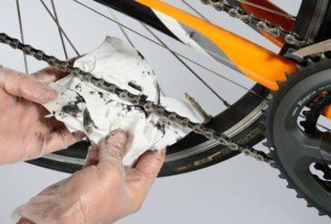 limpando corrente de bike